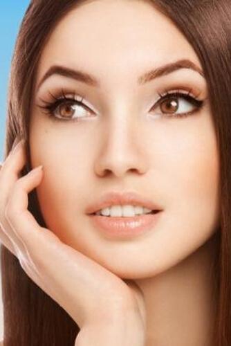 آرایش مناسب رنگ چشم قهوه ای